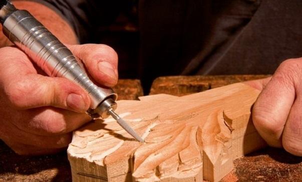 Mini graveur sur bois