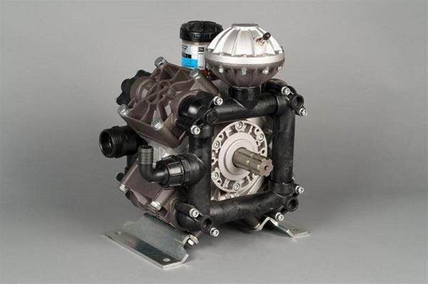 Pompe à piston à membrane