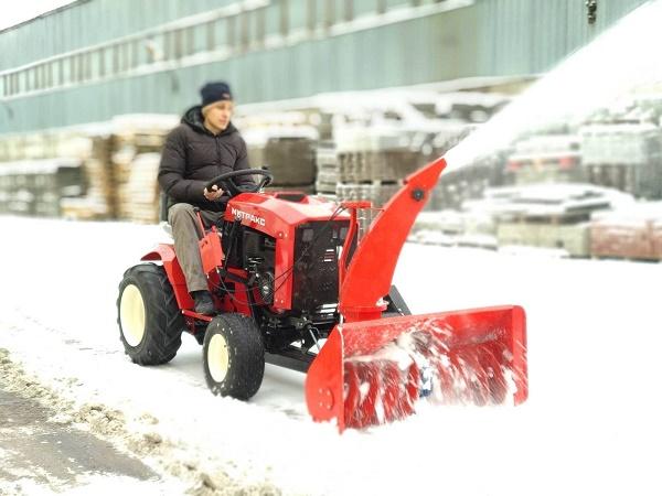 Mini traktör ile kar temizleme