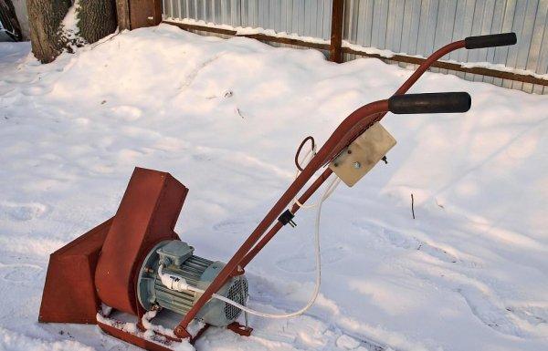 Ev yapımı kar üfleyici