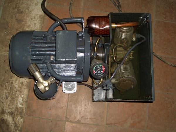 To-trinns kompressorhodet AK-150.